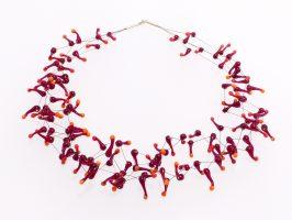 Seeanemone dunkelrot-orange | 4 Stränge, Glas, Stahlseil, Silber | 100889b-16