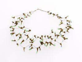 Seeanemone oliv-grün-blau transp. | 4 Stränge, Glas, Stahlseil, Silber | 110889d-16
