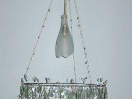 Kronleuchter Nr. 3 | Flaschenglas, Stahlseil, Zaundraht