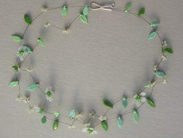 halbtransparente Blüten mit grün | 2 Str. Glas, Stahlseil, Silber | 130799-14