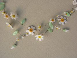 Weiß-gelbe Blüten | 2 Str.+A Glas, Stahlseil, Silber | 140800-14