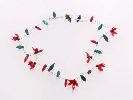 feine Blüten rot-dunkelrot | 1 Str., Glas, Stahlseil, Silbe | 095862-16