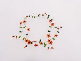 Sternblüten orange-schwarz | 2 Str.+A.,Glas, Stahlseil, Silber | 130945-18