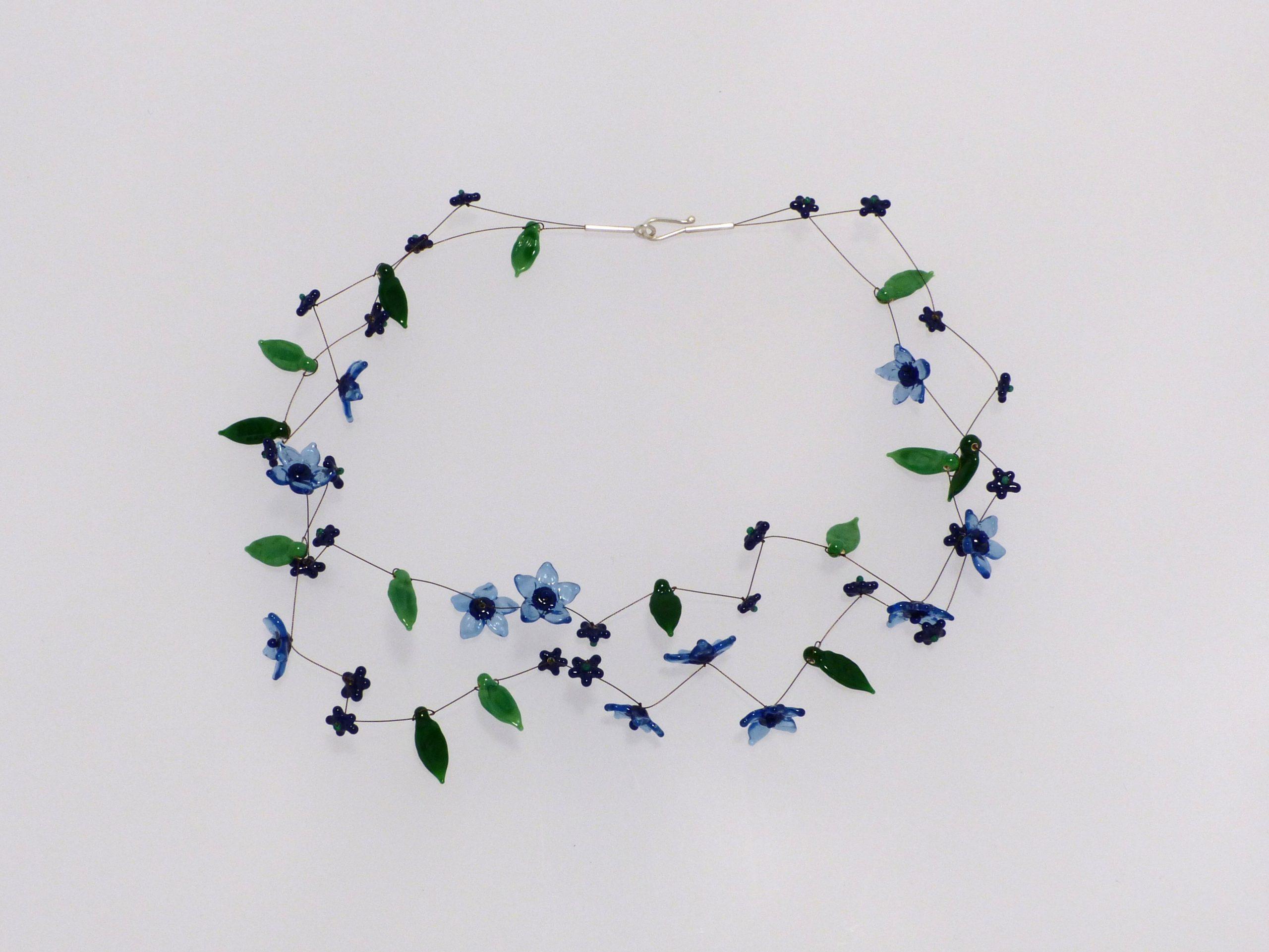 Sternblüten blau transparent | 2 Str. Glas Stahlseil, Silber | 110983b