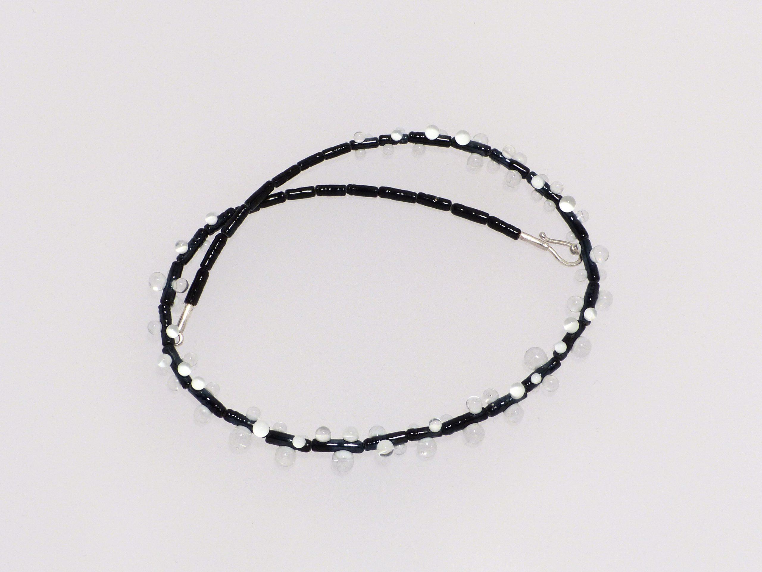 Tau, schwarz-weiß- farblos | 3 farbig, Glas, Stahlseil, Silber | 090997b-19