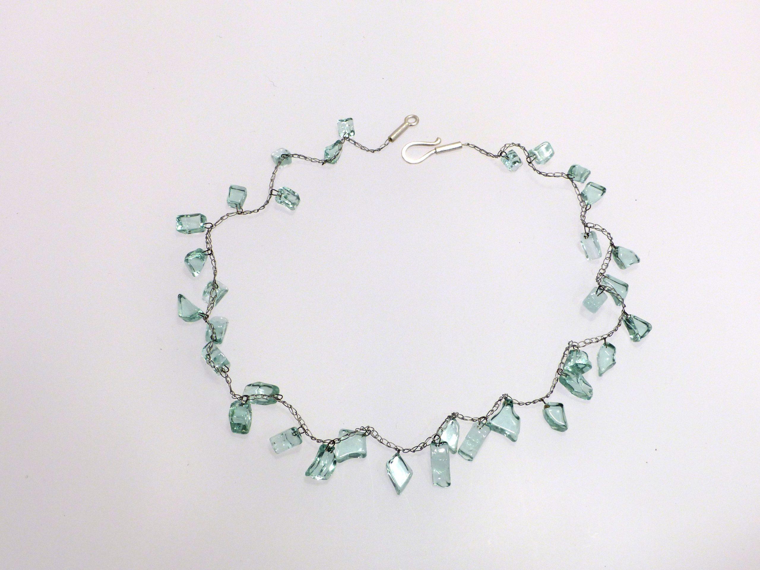 Heckscheibenstückchen gehäkelt | Glas, Stahlseil, Silber | 090438-20
